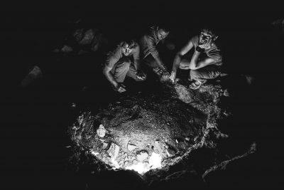Mūžīgās Čimeras liesmas tur degot jau vairāk kā 2500 gadus - dabas gāze, izlauzusies zemes virspusē, priecē un pārsteidz daudzus. Īpaši skaisti tur ir vakarpusē. Turcija, Chimera.