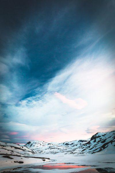 Baltās naktis jeb polārās dienas - tieši tā tas viss izskatās ap pusnakti jūnijā. Norvēģija.
