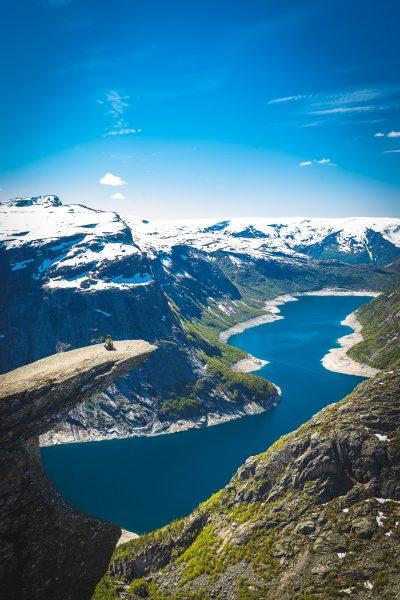 Maģiska un skaista vieta, un reizē arī mānīga, jo miers, diemžēl te ir mazāk, kā to redz bildēs. Norvēģija.