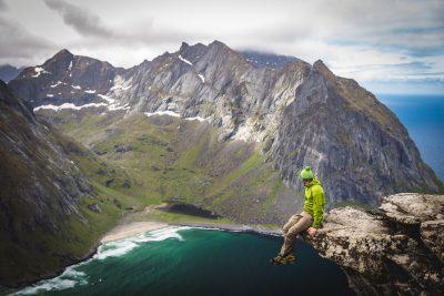 Pašam sava Trolltunga Lofotos. Norvēģija, Moskenesøya.