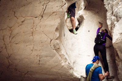 No cauruma uz caurumu. Izraēla, Wadi Darga.