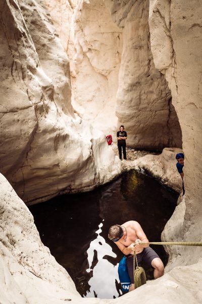 Ūdenī iekšā. Izraēla, Wadi Darga.