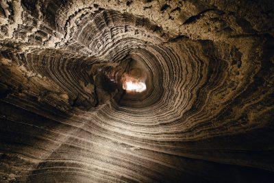 Viens no spilgtākajiem  Izraēlas piedzīvojumiem - laišanās Colonel alā pa 80m garu vertikālu  tuneli. Izraēla, Sodom.