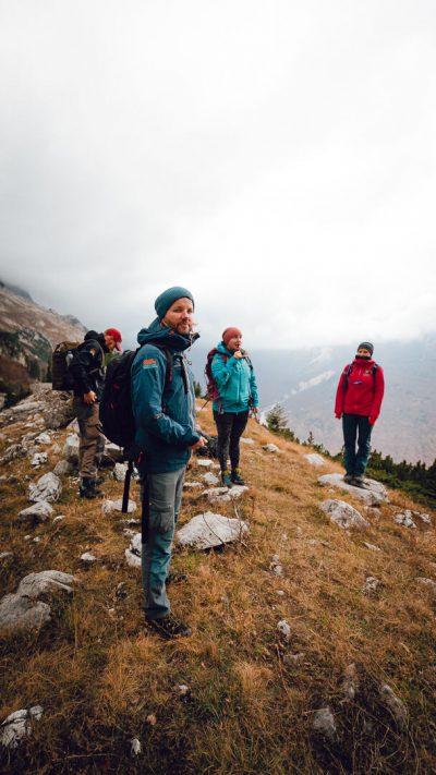 Pārgājiena komanda - uzticamie Lūzumpunkts draugi un kolēģi. Albānija, Valbones ielejas nacionālā parka kalnos.